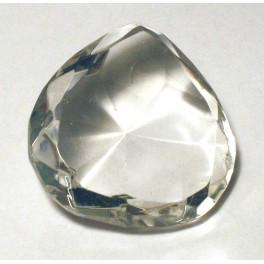 Стеклянный кристалл в виде сердца