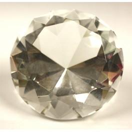 Стеклянный кристалл диаметром 6 см