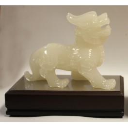 Plastic statuette of DRAGON 3 white