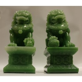 Plastic statuette of TWO DRAGONS 4