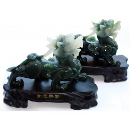 Plastic statuette of TWO DRAGONS 5